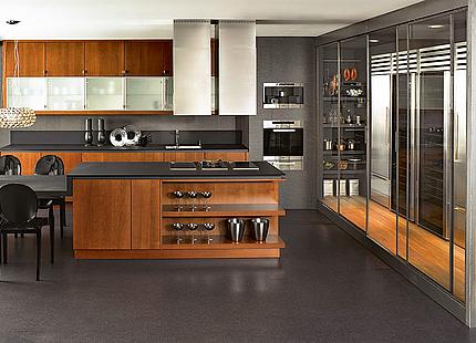 Küche mit Holzfronten von KH System Möbel