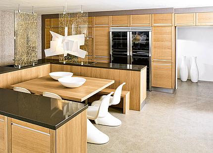 Wohnküche mit Essplatz von KH System Möbel