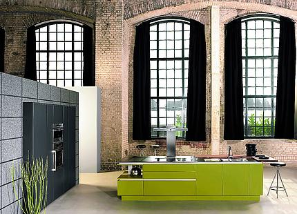 Grüne Kochinsel von KH System Möbel