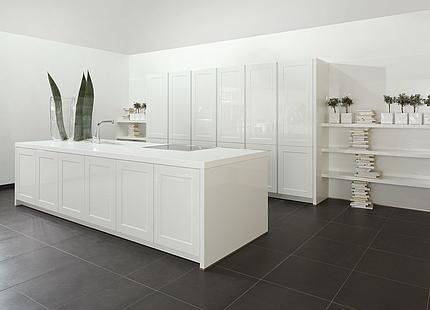 Moderne zeyko-Küche ganz in Weiß
