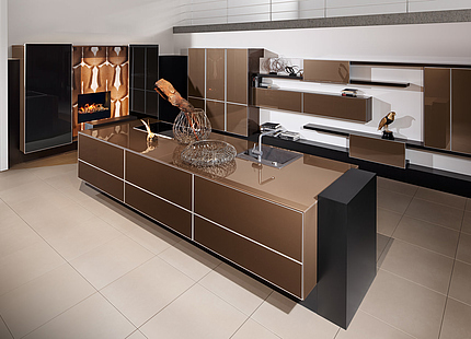 Edle zeyko-Küche in Braun und Schwarz